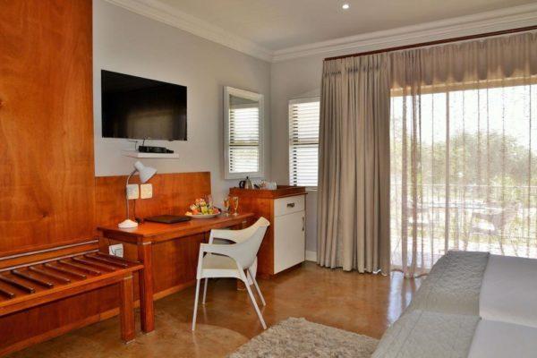 Deluxe-Room-1024x653.jpg