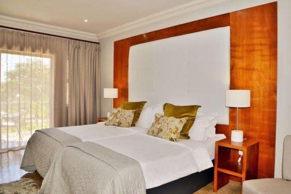 Deluxe-Room-3-1024x682.jpg