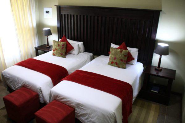 Ingwenyama-Standard-Room1-1024x683.jpg