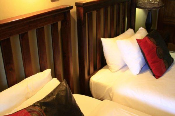 Ingwenyama-Standard-Room3-683x1024.jpg