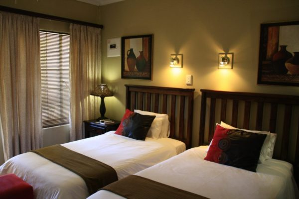 Ingwenyama-Standard-Room4-1024x683.jpg