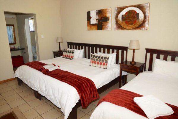 Ingwenyama-Triple-Room1-1024x683.jpg
